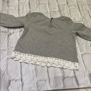 Gap Grey long sleeve tee-shirt w/ lace trim